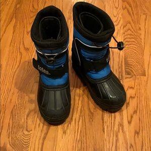 Tots snow boots size 11
